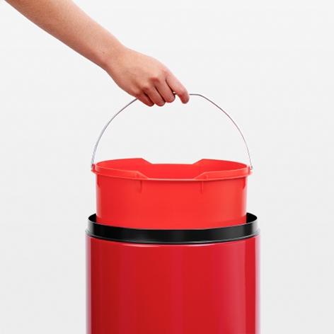 Бак для мусора Flip Bin Brabantia, объем 30 л, красный Brabantia 106903 фото 3