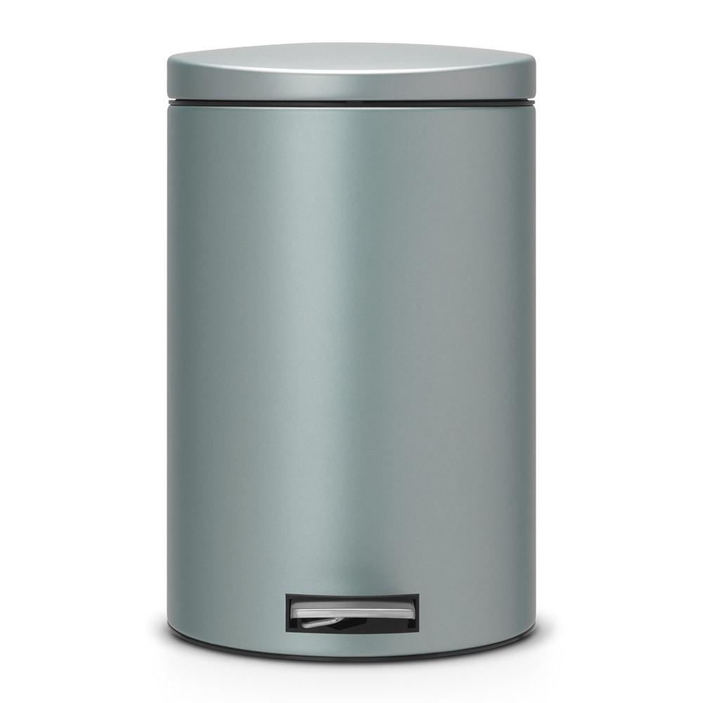 Онлайн каталог PROMENU: Бак для мусора Pedal Bin Brabantia, объем 20 л, мятный металлик Brabantia 484223