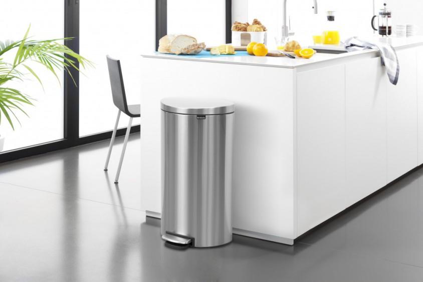 Бак для мусора Pedal Bin Brabantia, объем 30 л, серебристо-серый Brabantia 482007 фото 5