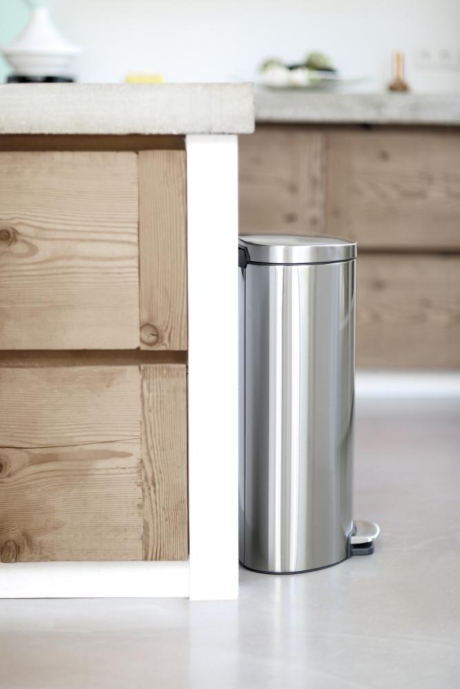 Бак для мусора Pedal Bin Brabantia, объем 30 л, серебристо-серый Brabantia 482007 фото 6