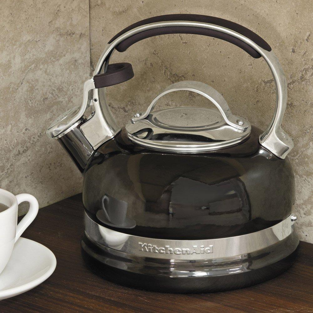 Чайник со свистком на плиту KitchenAid, объем 1,89 л, черный KitchenAid KTEN20SBOB фото 1