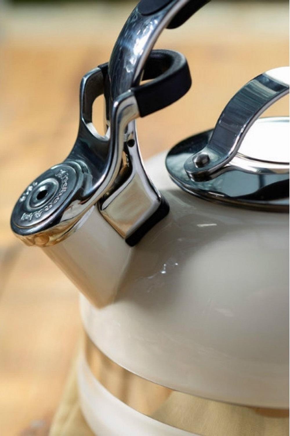 Чайник наплитный классический со свистком KitchenAid, объем 1,89 л, кремовый KitchenAid KTEN20SBAC фото 1