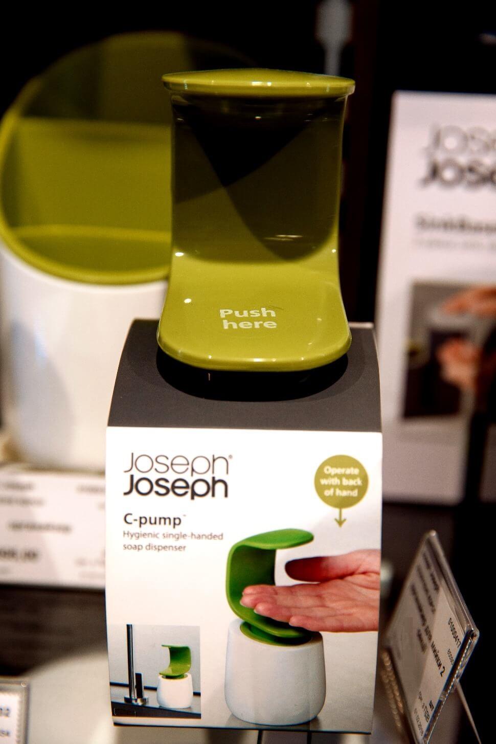 Диспенсер для жидкого мыла Joseph Joseph C-PUMP, 8,5х8,5х19 см, объем 0,3 л, зеленый с белым Joseph Joseph 85053 фото 6