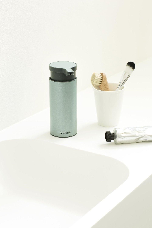 Дозатор для жидкого мыла Brabantia, объем 0,2 л, мятный с черным Brabantia 107467 фото 3