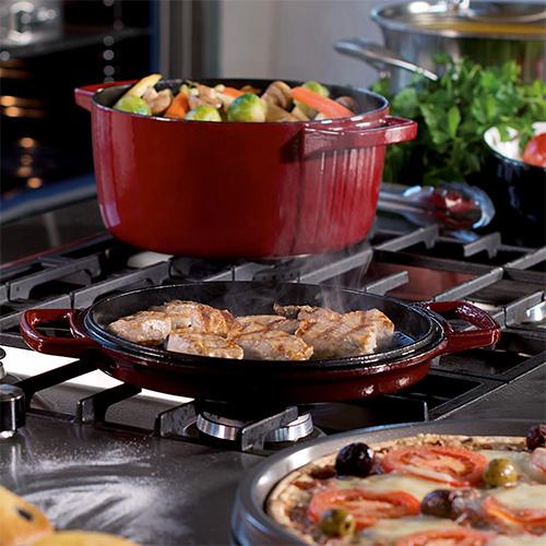 Кастрюля с крышкой KitchenAid Cast Iron, диаметр 24 см, красный KitchenAid KCPI40CRER фото 5