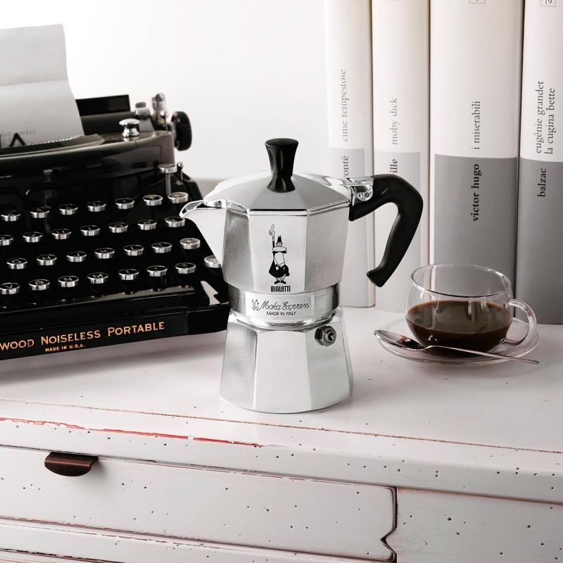 """Кофеварка гейзерная """"Moka"""" на 2 чашки Bialetti MOKA EXPRESS, серебристый Bialetti 0001168 фото 4"""