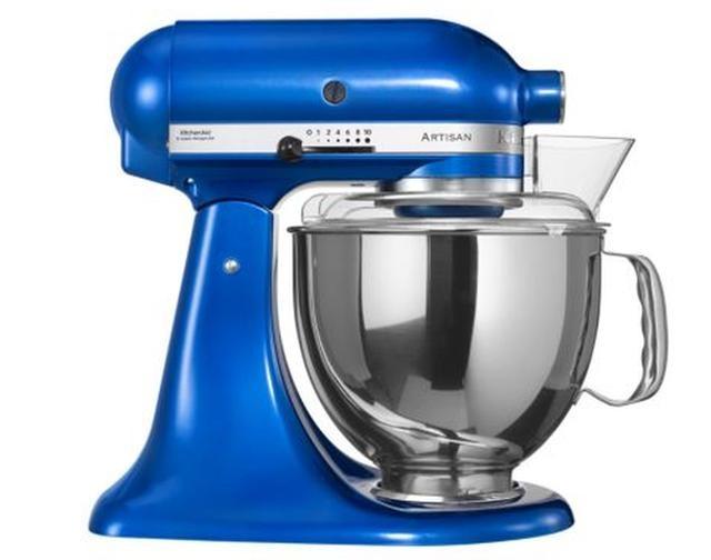 Онлайн каталог PROMENU: Миксер планетарный KitchenAid Artisan, объем чаши 4,83 л, голубой электрик KitchenAid 5KSM150PSEEB