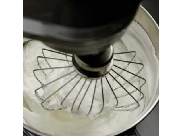 Миксер планетарный KitchenAid Artisan, объем чаши 4,83 л, кофе эспрессо KitchenAid 5KSM150PSEES фото 7