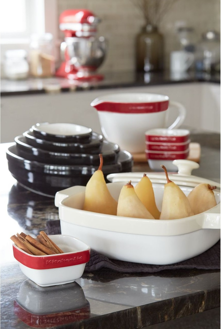 Набор керамических чаш с ручкой для смешивания и запекания KitchenAid Ceramics, красный, 3 штуки KitchenAid KBLR03NBER фото 3