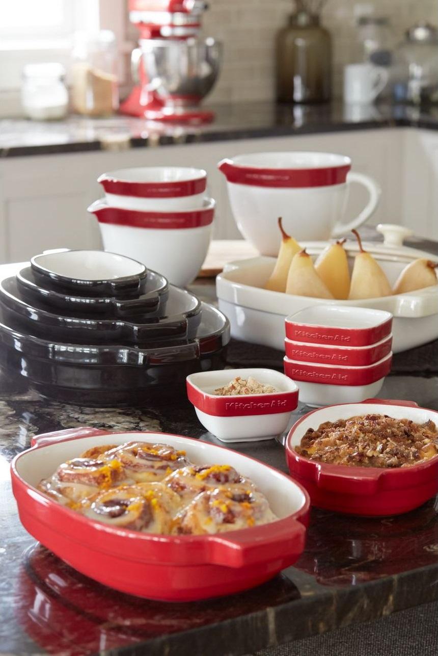 Набор керамических чаш с ручкой для смешивания и запекания KitchenAid Ceramics, красный, 3 штуки KitchenAid KBLR03NBER фото 4