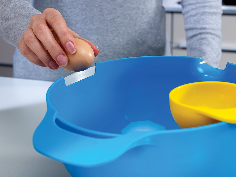 Набор мисок для смешивания (1,4 л, 2, 4 л, 3,8 л) и сепаратор для яйца Joseph Joseph NEST, разноцветный, 4 предмета Joseph Joseph 40015 фото 2