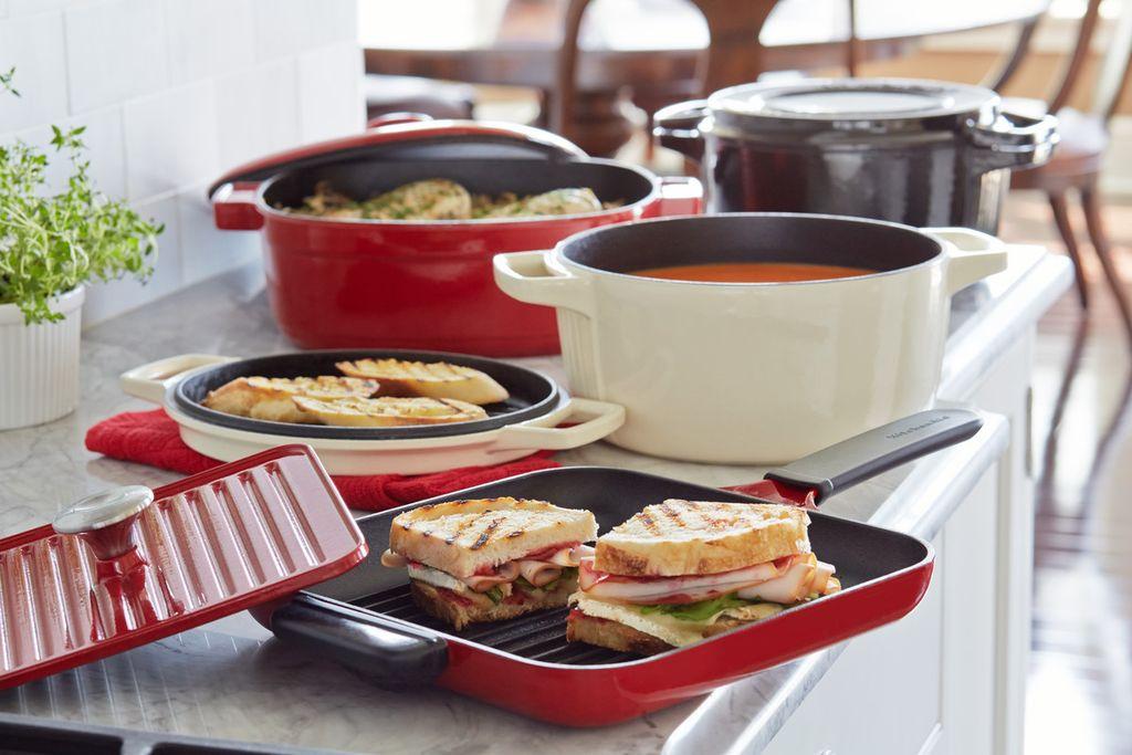 Сковорода-гриль с прессом KitchenAid, 25х25 см, красный KitchenAid KCI10GPER фото 3