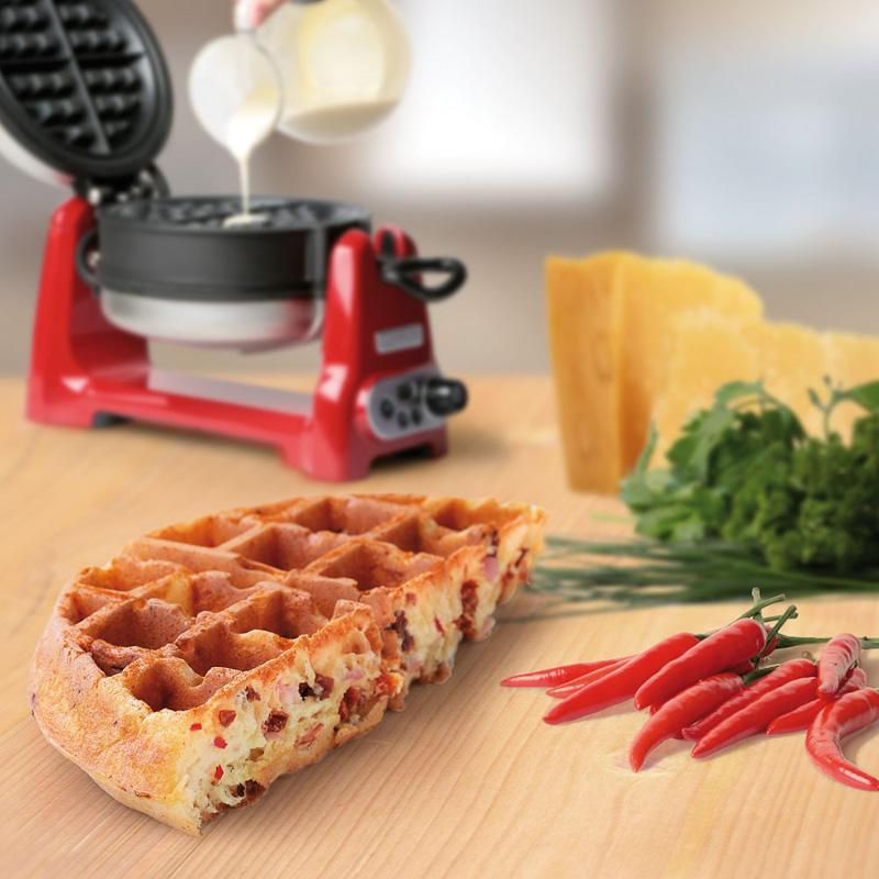 Вафельница с керамическим антипригарным покрытием KitchenAid Artisan, красный KitchenAid 5KWB100EER фото 1