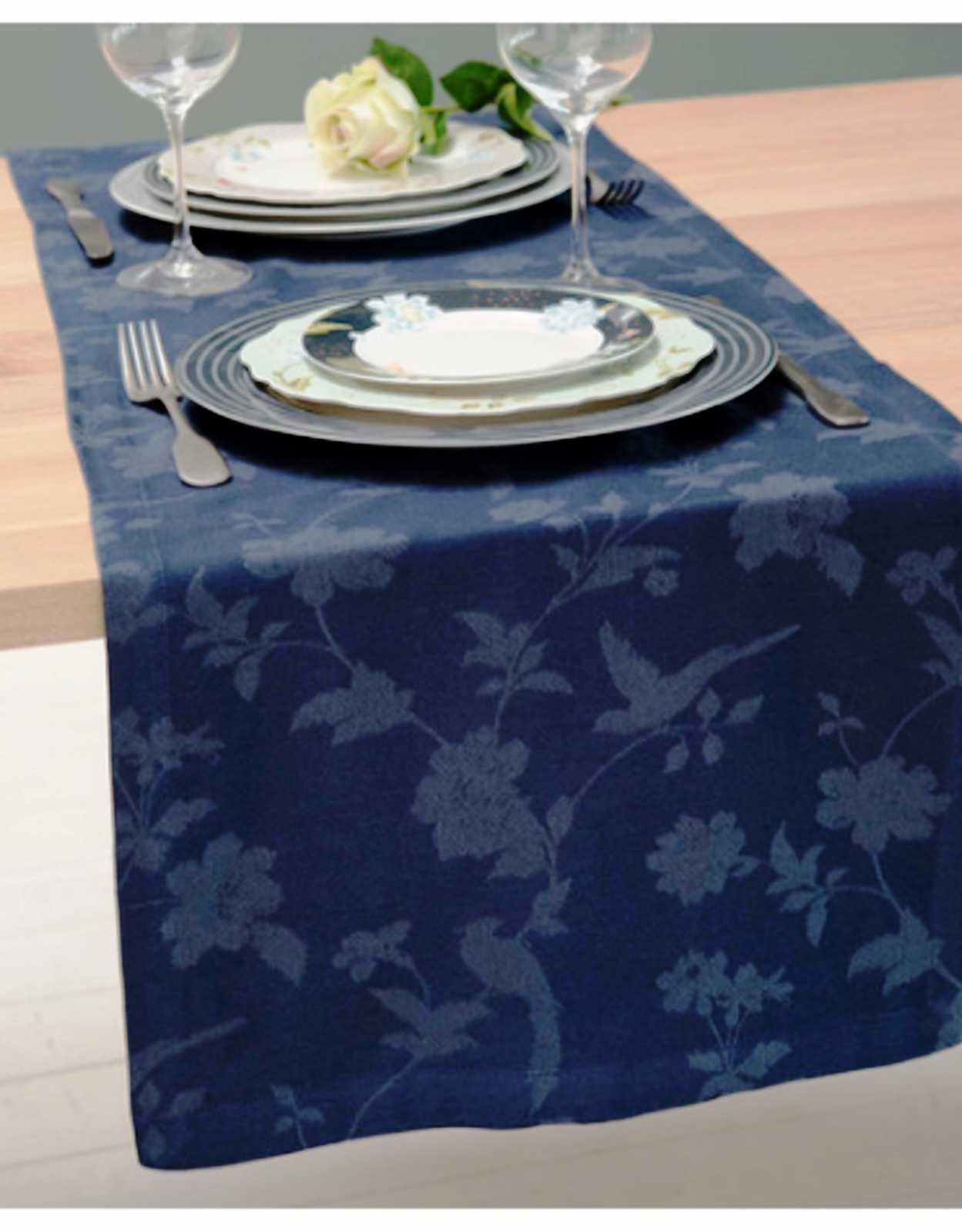 Онлайн каталог PROMENU: Скатерть Laura Ashley HERITAGE, 40х150 см, синий с цветами и птичками                               180999